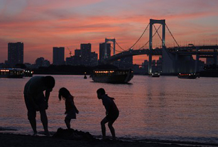 Odaiba Beach in the evening